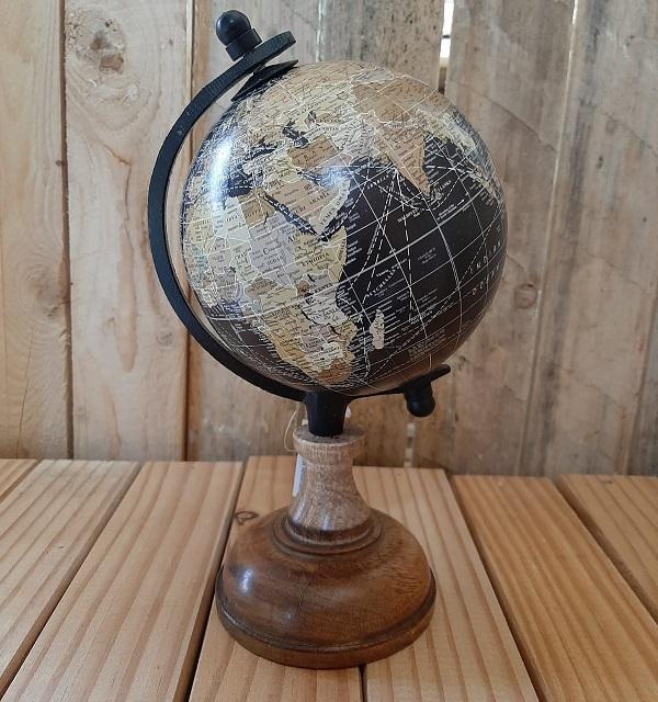Wereldbol (diameter 12cm) op houten voet, zwart